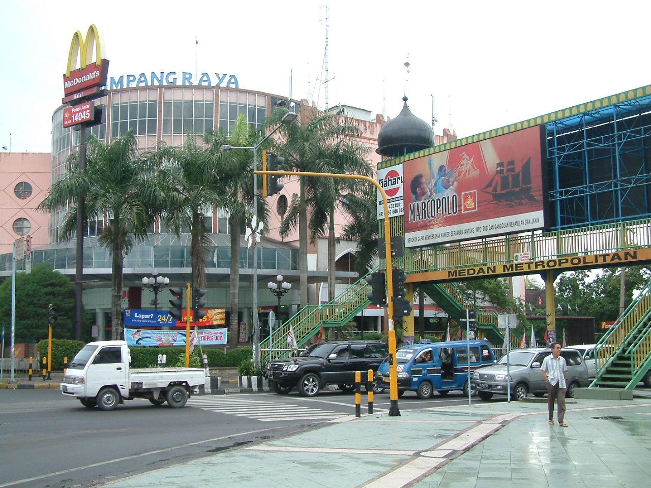 9 en 10 juli 2008 Amsterdam – Singapore – Medan – Bukit Lawang